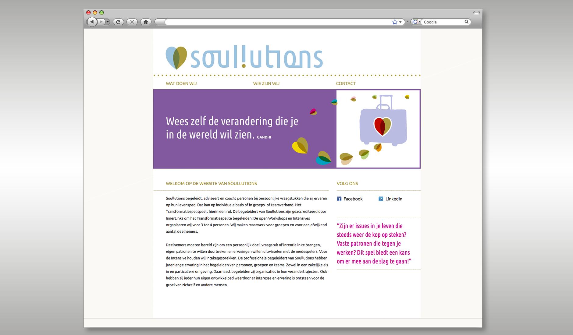 """Ontwerp website Soullutions, met illustratie van een koffer en een quote """"Wees zelf de verandering die je in de wereld wil zien - Gandhi""""."""